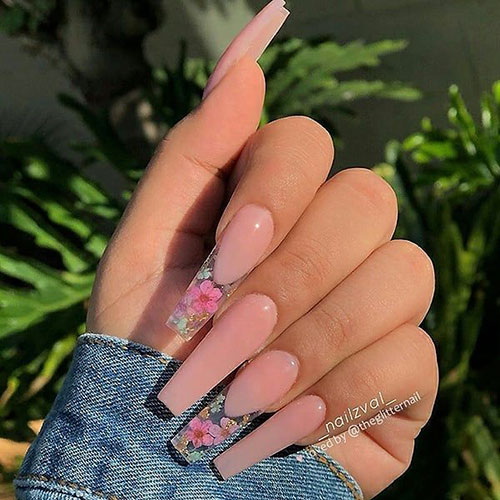 Nails With Flowers