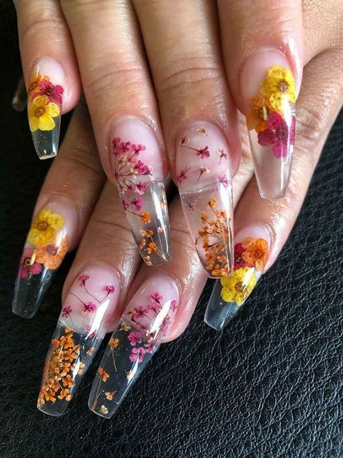 Nails With Dried Flowers