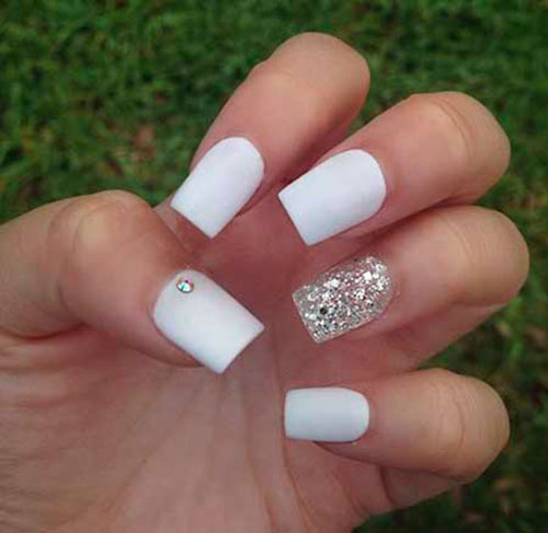 Short White Acrylic Nails